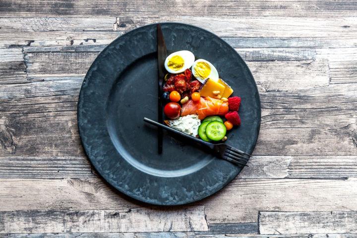 Maximiza tus niveles de salud: Dieta cetogénica y ayuno intermitente